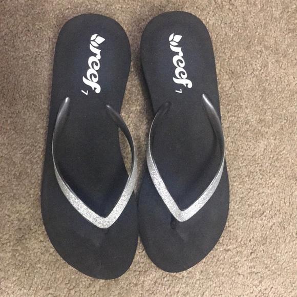 a2fcc4eddd727b Women s Reef Krystal Star Thong Sandal Size 7. M 5acf848d739d4862416d6cb1